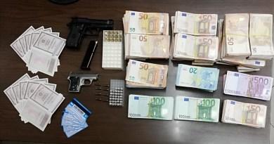 San Cipriano. Documenti falsi e detenzione illegale arma: arrestato 26enne