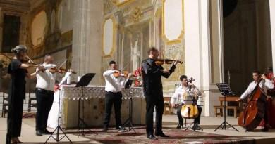 Aversa. La musica di Edoardo Amirante e Ensemble d'archi aversana nella cornice dell'Abbazia di San Lorenzo