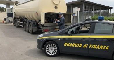 (VIDEO) Taranto. Contrabbandavano gasolio agricolo: blitz GdF tra Puglia, Lazio e Campania