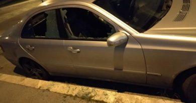 (VIDEO) Decine di auto vandalizzate nella notte