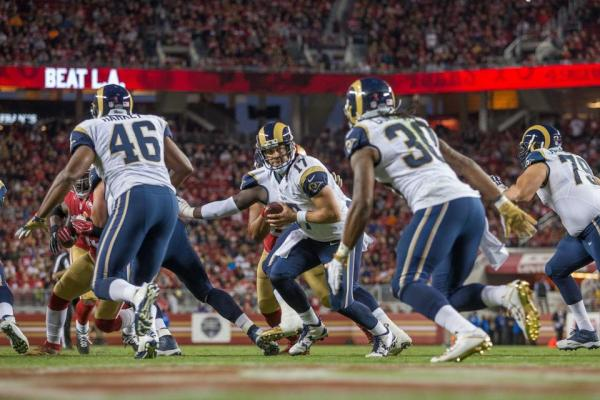 Rams' offense i store problemer mod Whiners i uge 1 (photo credit: Jeff Lewis / www.therams.com)