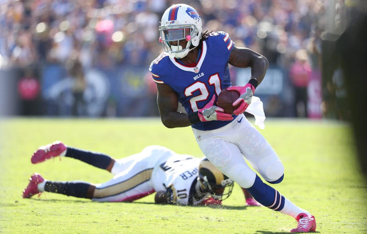 Ex-Bills slot-corner vender hjem til L.A.