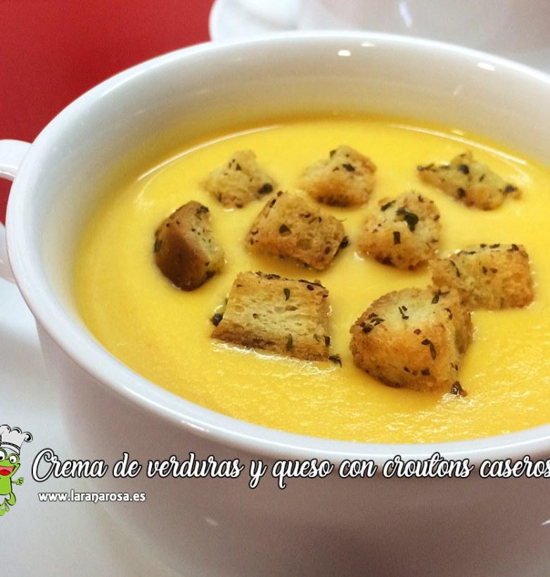 Crema de verduras y queso con croutons caseros