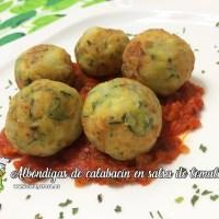 Albóndigas de calabacín en salsa de tomate