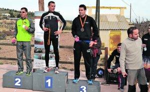 Los tres primeros clasificados en categoría masculina.