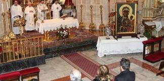 Instante de la eucaristía oficiada en la Basílica - :::Enrique Soler:::