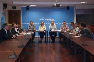 Reunión de  La Comisión de Turismo del PP regional y la Mesa de Turismo de la Región de Murcia