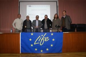 El Alcalde de Calasparra, Jesús Navarro, junto con los técnicos de la Comunidad Autónoma y del CHS en la presentación.