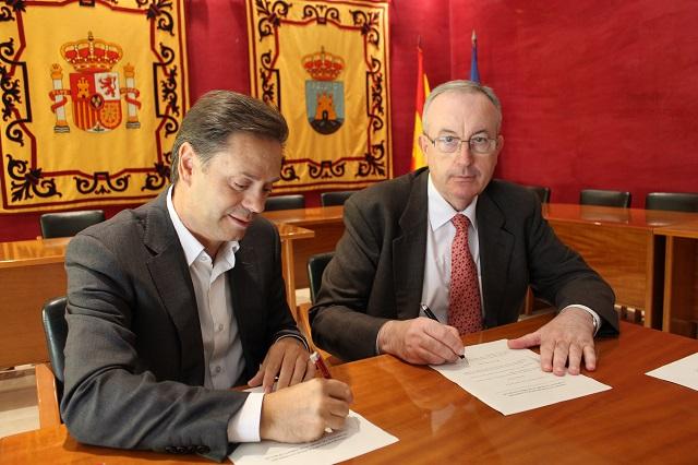 Firma del Convenio con Caja Murcia