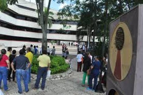 Gobernación espera terna para escoger alcalde encargado de San Onofre