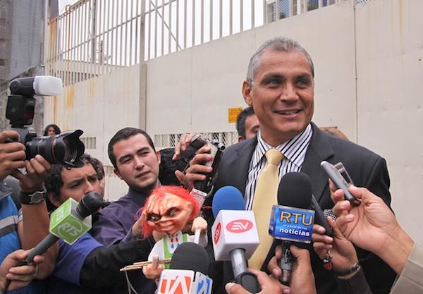 FABRICIO CORREA ACUDE A LA FISCALIA