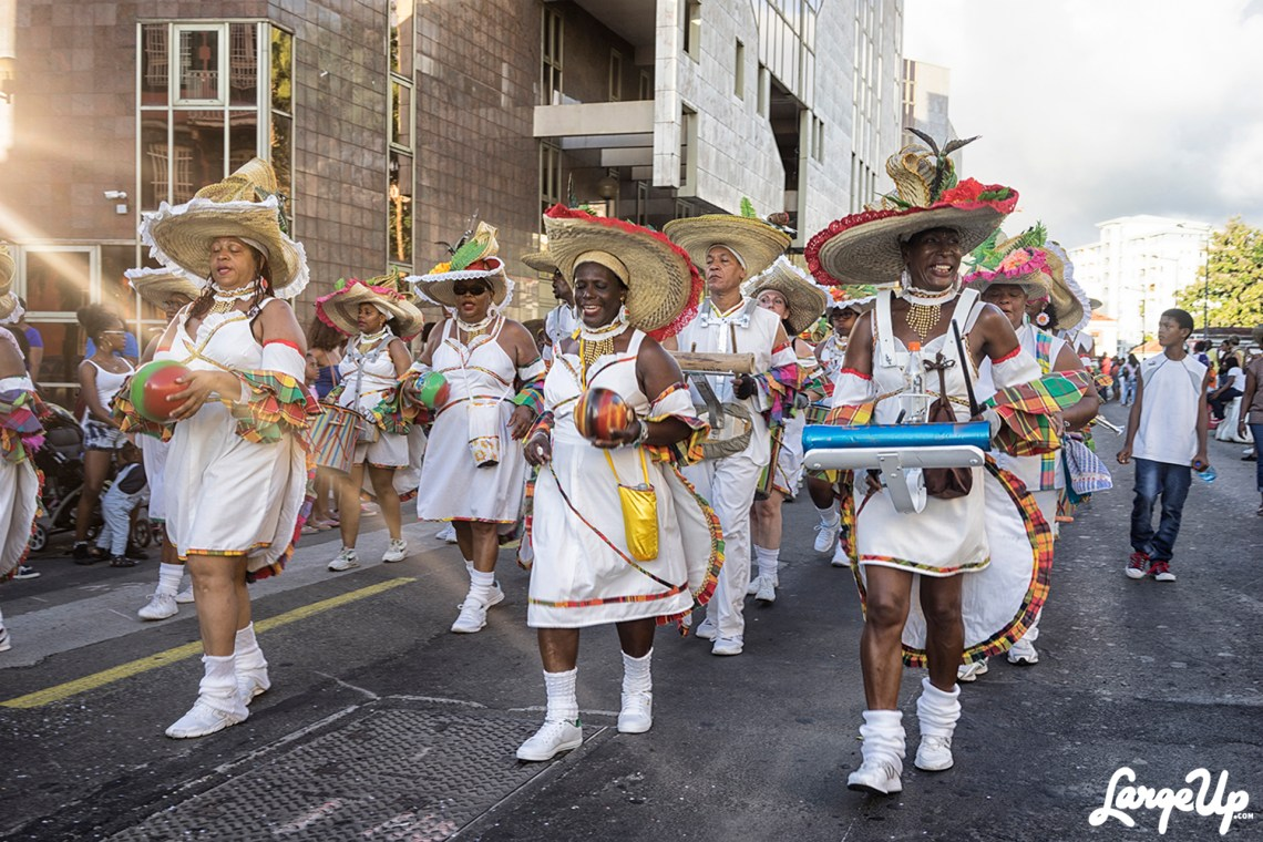 Singing with Rainbow Shakares, FOYAL PARADE, Fort-de-France, Martinique, photo by Adama Delphine Fawundu4