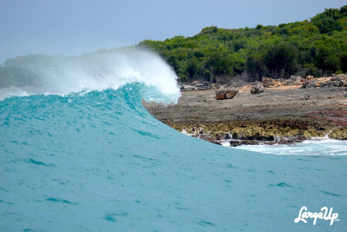 Surfing in Anguilla (Surf AXA)