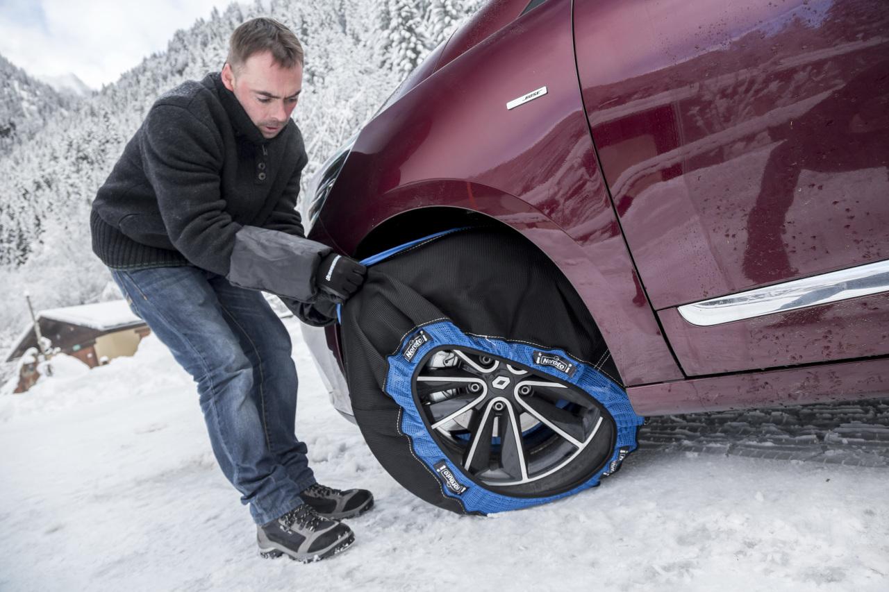 https www largus fr actualite automobile hiver bien sequiper en chaines pour rouler sur la neige 3685379 p 2 html