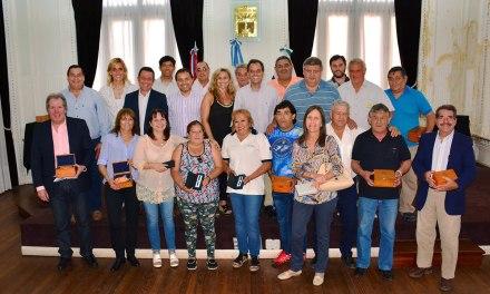 Llamosas reconoció a más de 40 empleados municipales