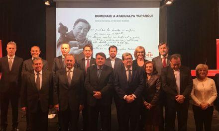 Schiaretti homenajeó en Madrid la figura de Atahualpa Yupanqui