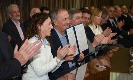 Schiaretti: Vamos a promover la inserción laboral de los profesionales
