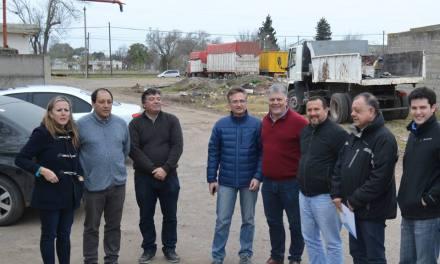 Escuela ProA: visita de funcionarios y representantes de la empresa constructora