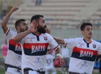 Dai fischi alla standing ovation, tutto in 45′ per il Taranto di Panarelli