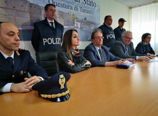 Taranto, tentata estorsione: fermati anche un maresciallo della Gdf e un avvocato