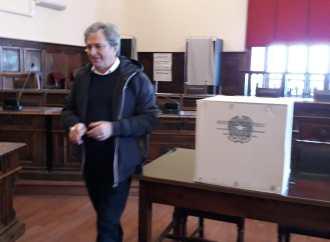 Rifiuti, arrestato l'ex presidente della provincia di Taranto: il video e le intercettazioni