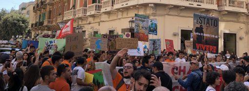 """Clima: docenti in campo, ecco """"Teachers for future Taranto"""""""