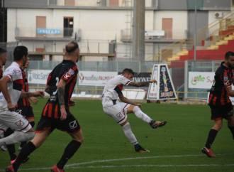 Taranto: settima sconfitta,  la quarta allo Iacovone