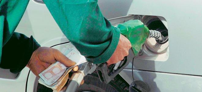 Ληστές απείλησαν με λοστούς υπάλληλο βενζινάδικου