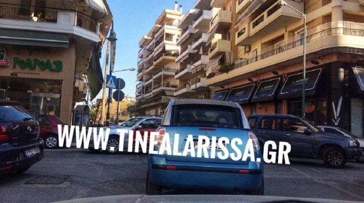 Τροχαίο στη Λάρισα – Συγκρούστηκε ΙΧ με ταξί (ΦΩΤΟ)