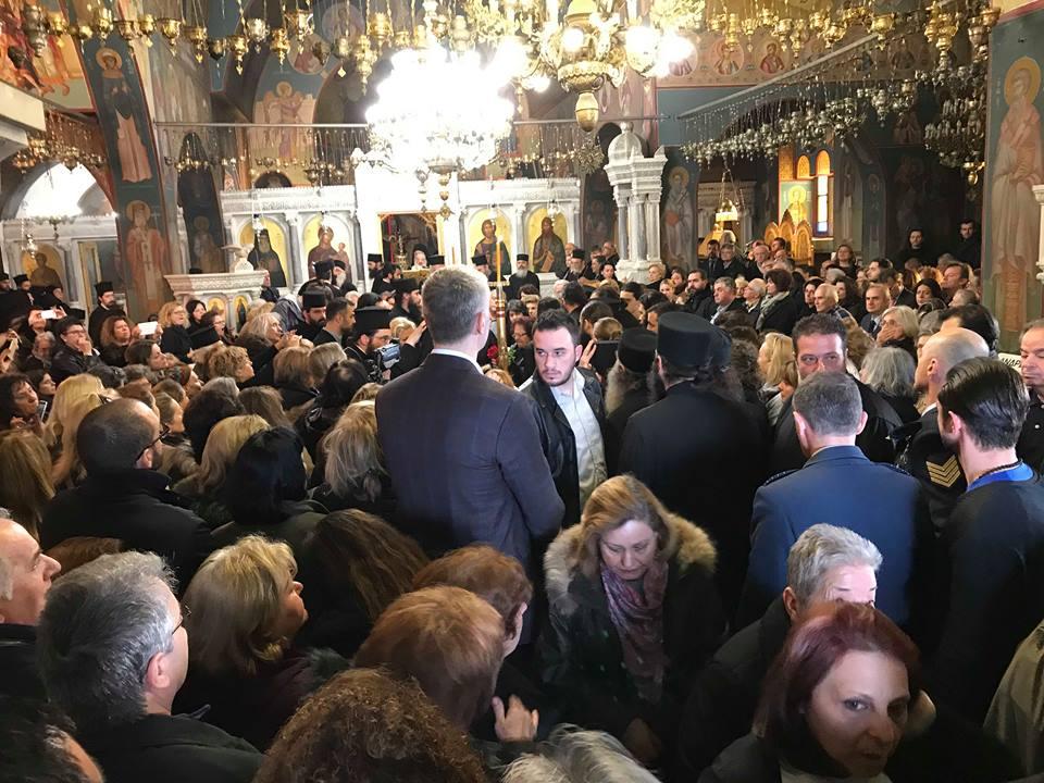 Πάνος Μουζουράκης: Σπάραξε στο τελευταίο αντίο του γέροντα Νεκτάριου