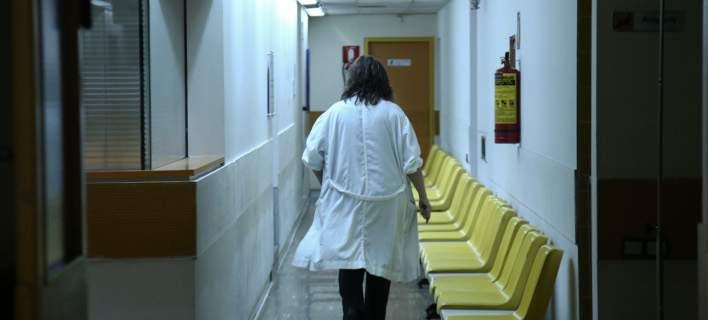 «Γυαλιά – καρφιά» από 47χρονο σε Νοσοκομείο - Τραυματίστηκε μία νοσηλεύτρια