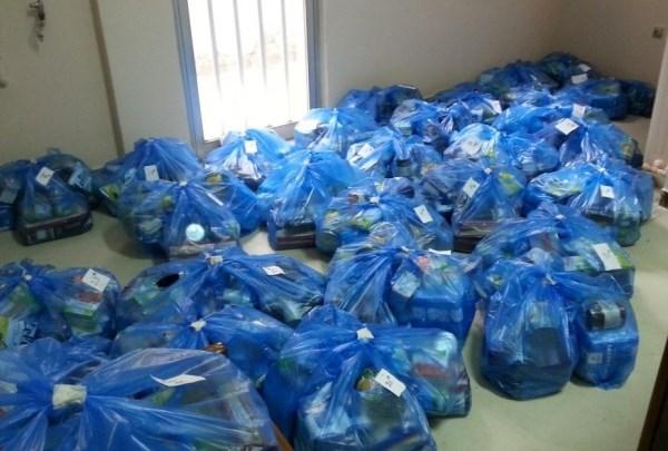 Διανεμήθηκαν τρόφιμα στους δικαιούχους του Κοινωνικού Παντοπωλείου Τυρνάβου