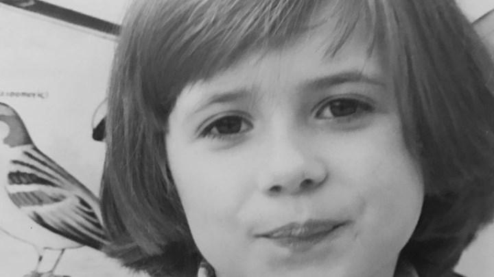 Αναγνωρίζετε το κοριτσάκι της φωτογραφίας; Είναι πασίγνωστη παρουσιάστρια