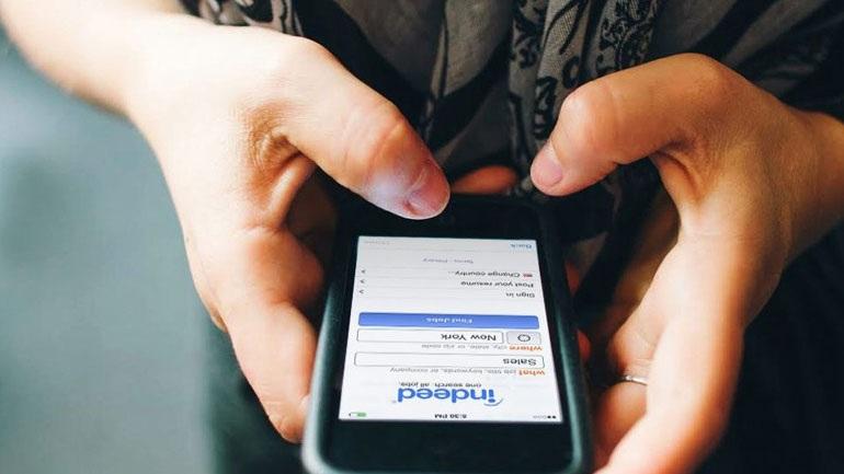 Μυστηριώδη μηνύματα αναστατώνουν κατόχους κινητών