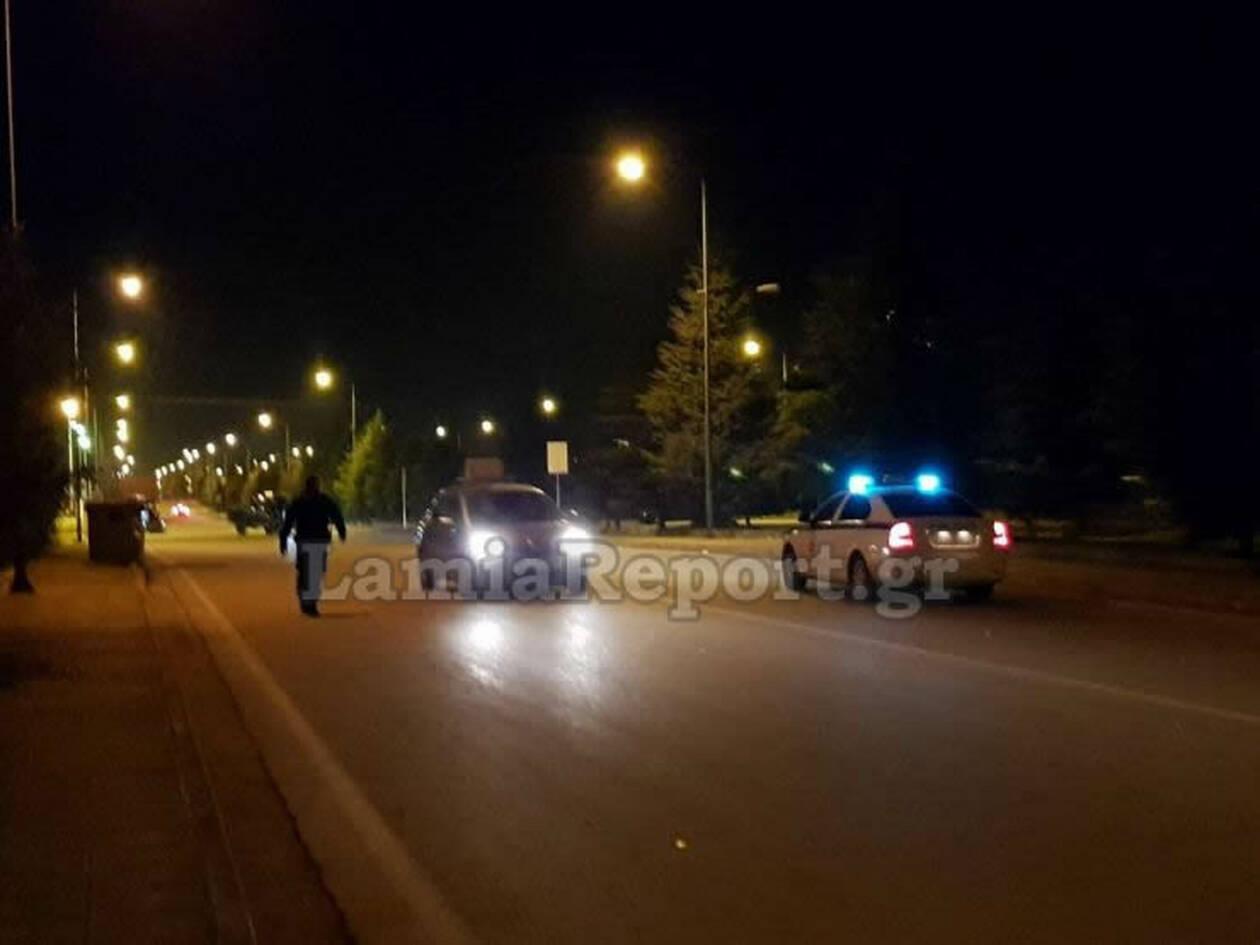 Έπαθαν ΣΟΚ με αυτό που είδαν αστυνομικοί στη μέση του δρόμου ΦΩΤΟ