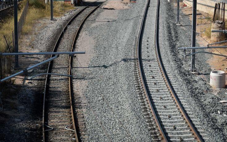 Ταλαιπωρία για δεκάδες Λαρισαίους επιβάτες λόγω εγκλωβισμένων τρένων σε Δομοκό και Λιανοκλάδι