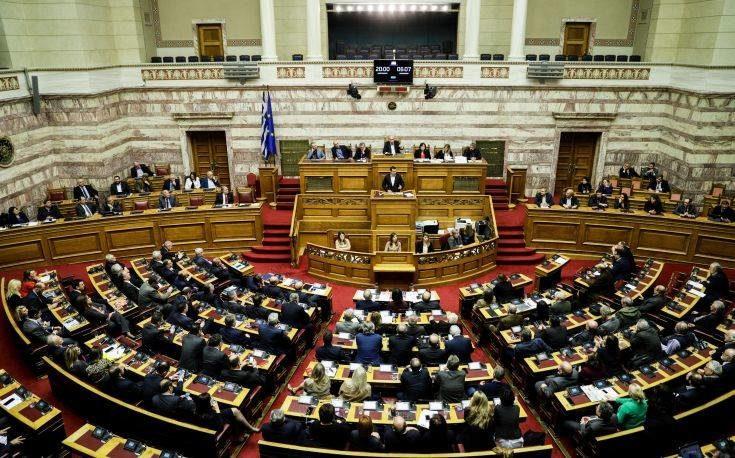 Πέρασε από τη Βουλή το πρωτόκολλο ένταξης των Σκοπίων στο ΝΑΤΟ