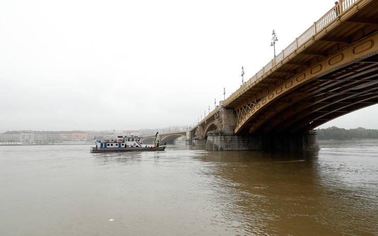 Συνελήφθη ο καπετάνιος του κρουαζιερόπλοιου που εμπλέκεται στο πολύνεκρο ναυάγιο στον Δούναβη