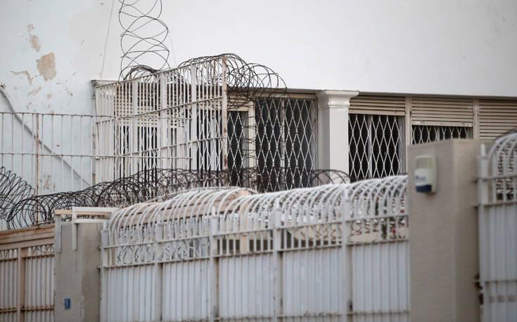 Πατέρας δύο παιδιών ο εξωτερικός φρουρός που αυτοκτόνησε στον Κορυδαλλό