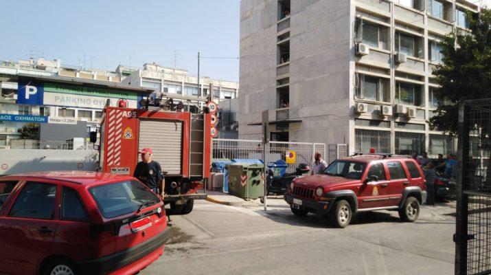 Συναγερμός στην Πυροσβεστική! Φωτιά σε υπόγειο πάρκινγκ στη Λάρισα (ΦΩΤΟ)