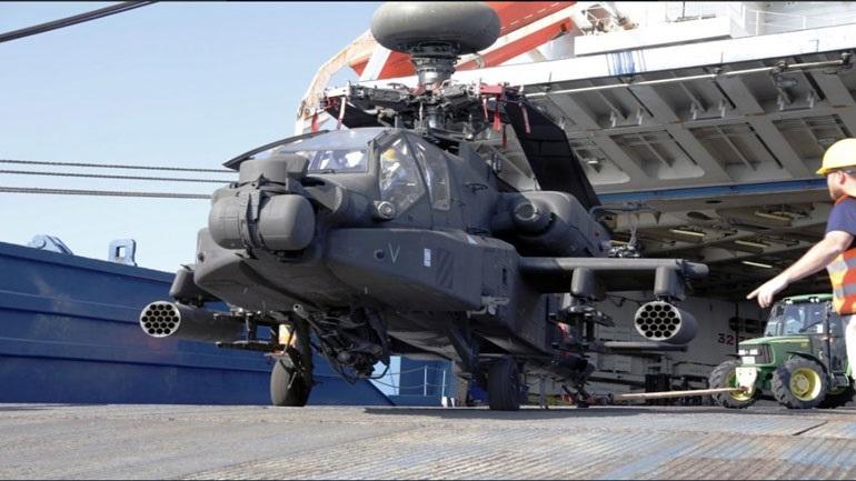Βόλος: Έφτασαν τα ελικόπτερα Apache και εξοπλισμός της 3ης ταξιαρχίας Στρατού των ΗΠΑ