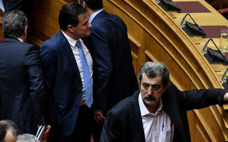 «Πλακώθηκαν» στη βουλή Πολάκης- Άδωνις