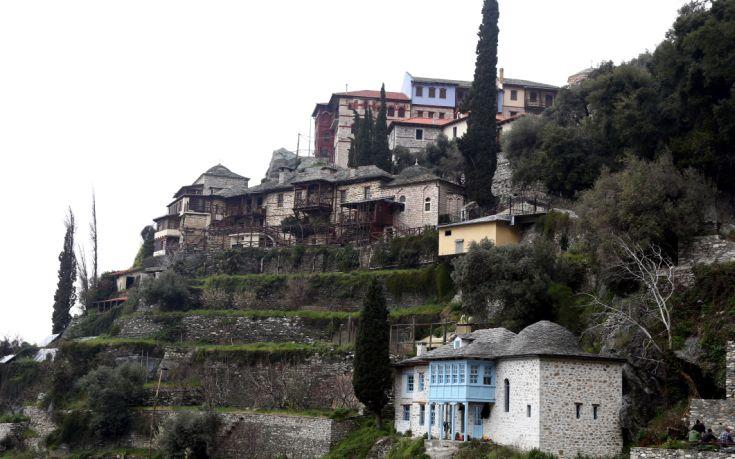Ποια γνωστή Ελληνίδα ντύθηκε άντρας και πήγε να παραβιάσει το άβατο στο Άγιο Όρος