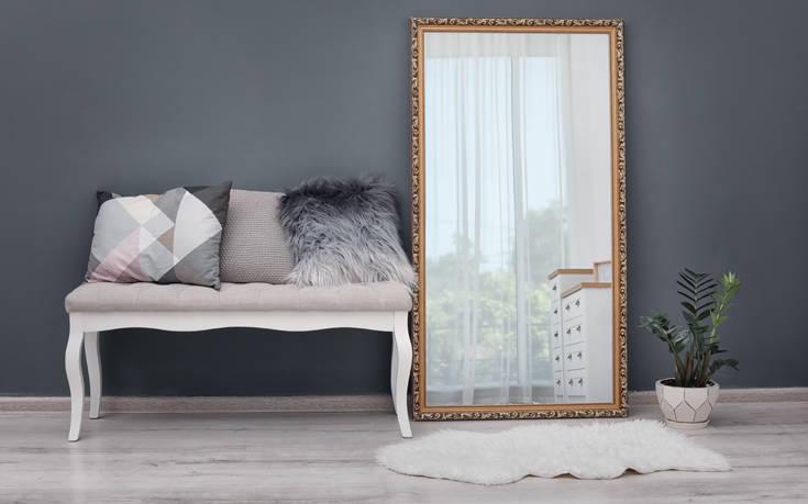 Πώς να καλύψετε ή να εξαφανίσετε γρατζουνιές από καθρέπτες και τζάμια