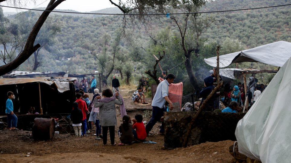 Μεταναστευτικό: «Μάχη» κυβέρνησης-δήμων για τις δομές – Πού φτιάχνουν νέες