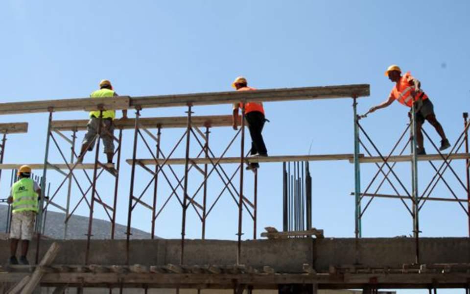 «Εκρηξη» νέων οικοδομικών αδειών σε Αθήνα και νησιά