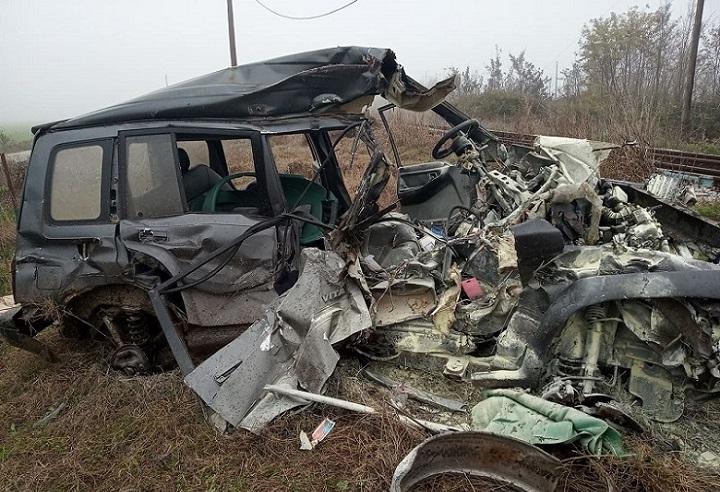 Δείτε φωτογραφίες από το αυτοκίνητο που παρασύρθηκε από το τρένο στο Κιλελέρ - «Άγιο» είχε οδηγός - ΦΩΤΟ