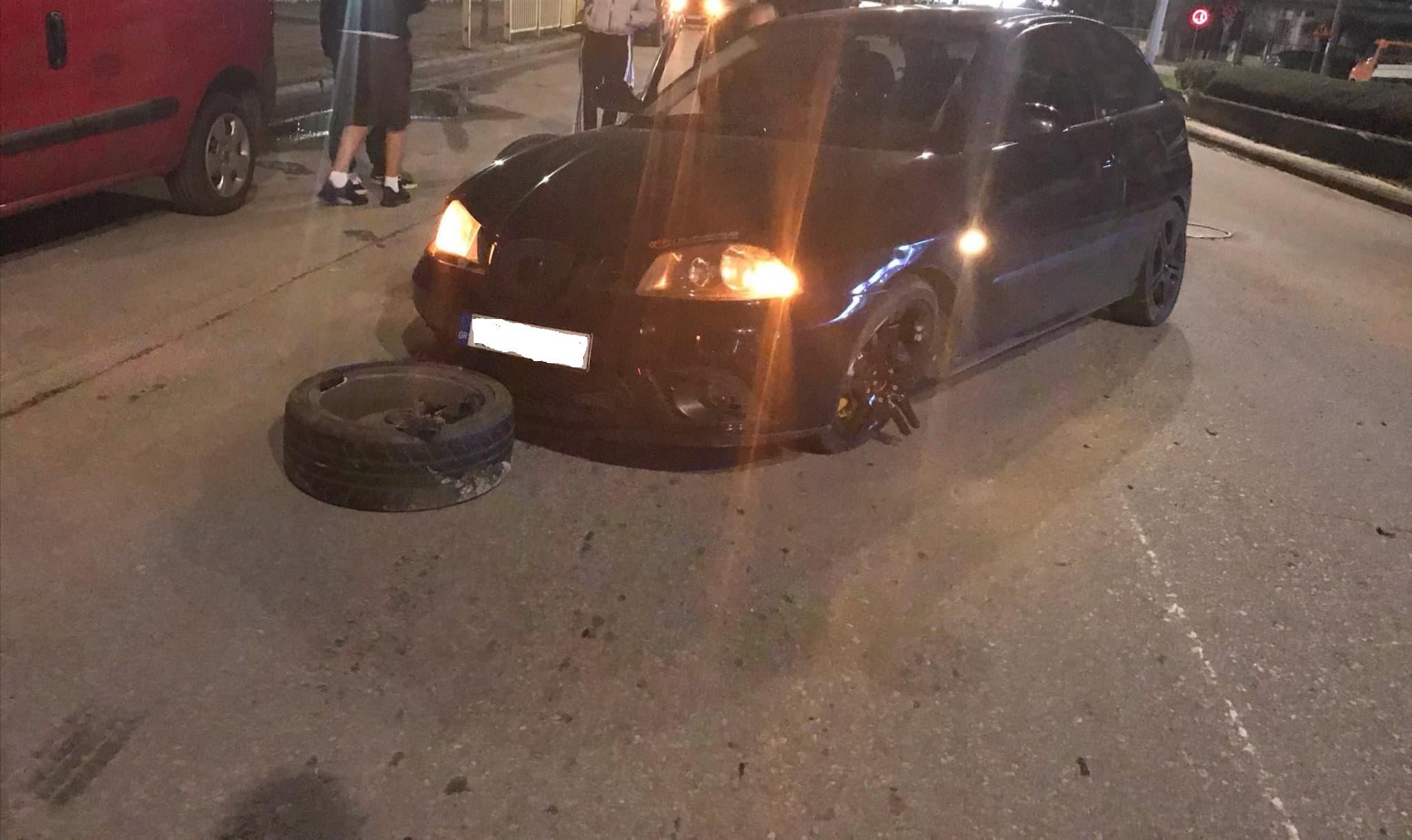 Τώρα: Ηρώων Πολυτεχνείου Αυτοκίνητο εξετράπη της πορείας του (ΦΩΤΟ)
