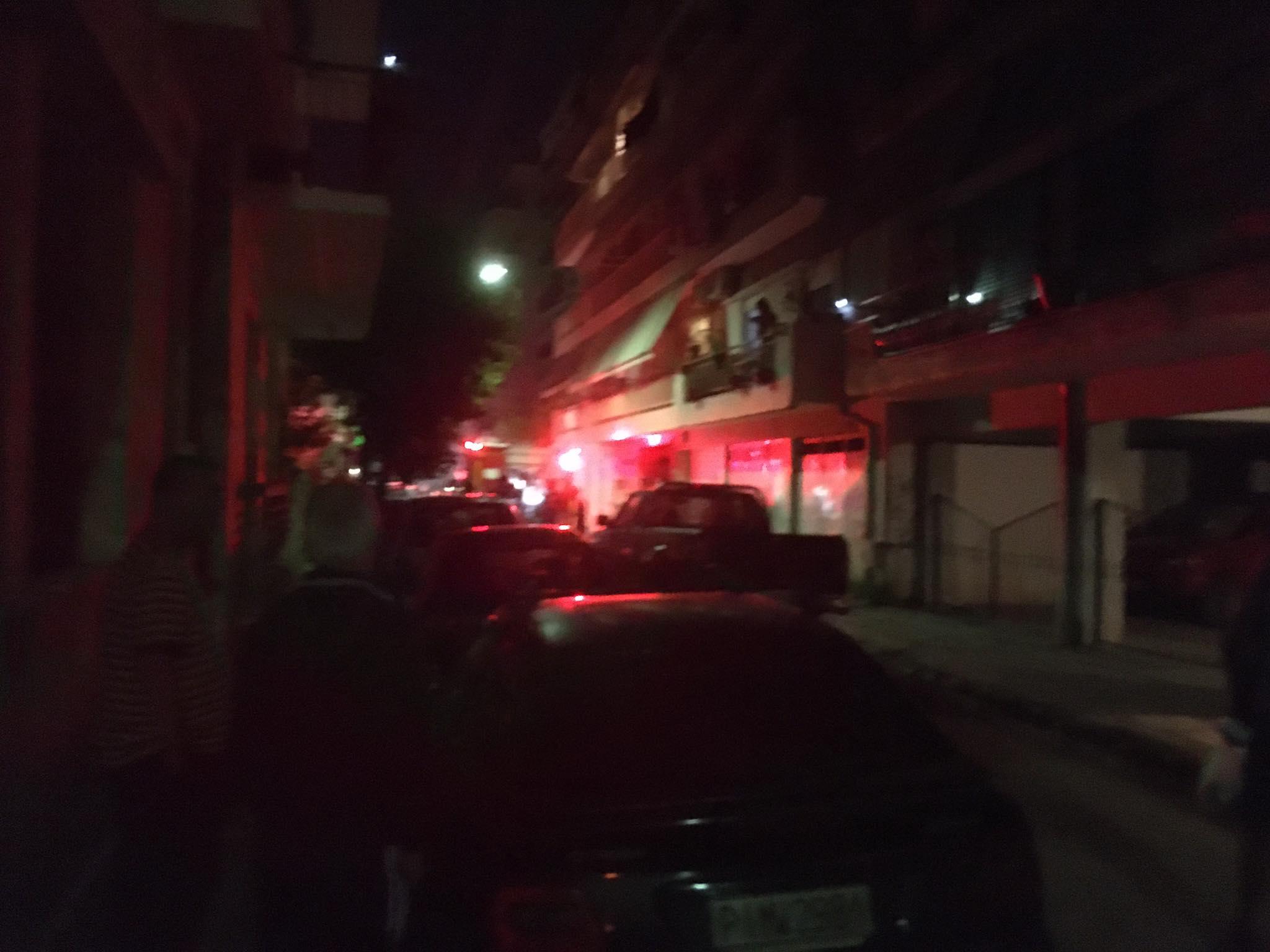 Φωτιά σε διαμέρισμα πολυκατοικίας στη Λάρισα (ΦΩΤΟ)