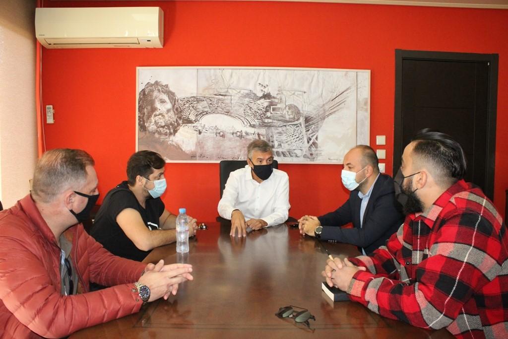 Συνάντηση του Περιφερειάρχη Θεσσαλίας Κώστα Αγοραστού με το προεδρείο του Συνδέσμου Ιδιοκτητών Κέντρων Αναψυχής και Εστίασης ν. Λάρισας